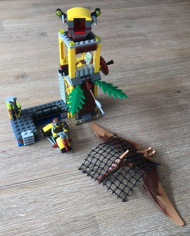 Lego Dino 5883 Tower Takedown Built