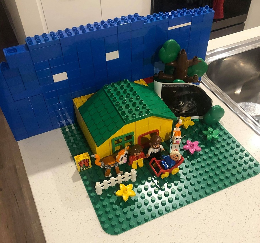 Lego Duplo House behind the scenes