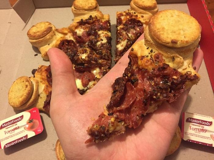 pizza-hut-four-n-twenty-in-hand