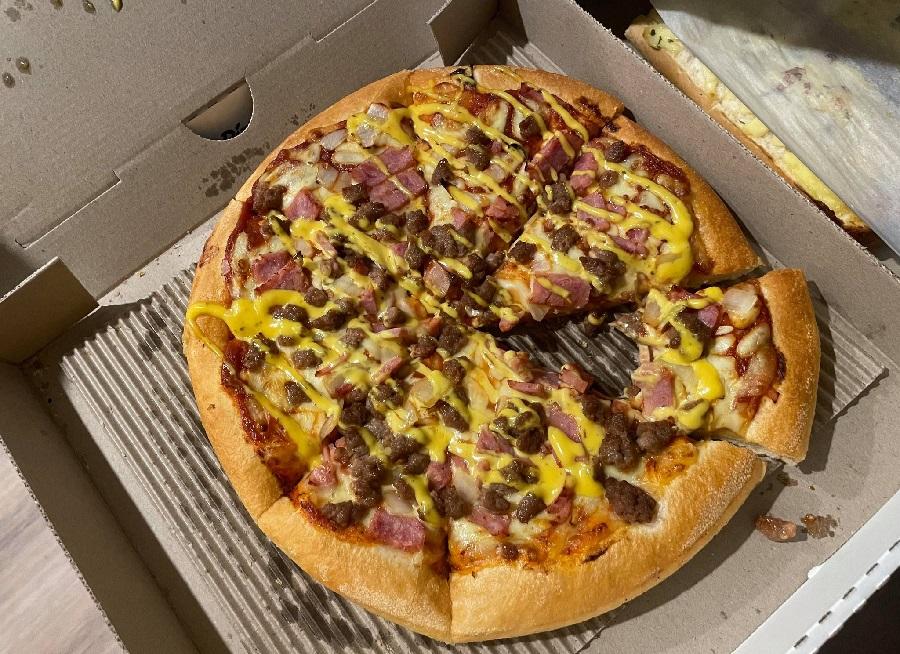 spongebob inspired Chillapineappleno pizza hut australia
