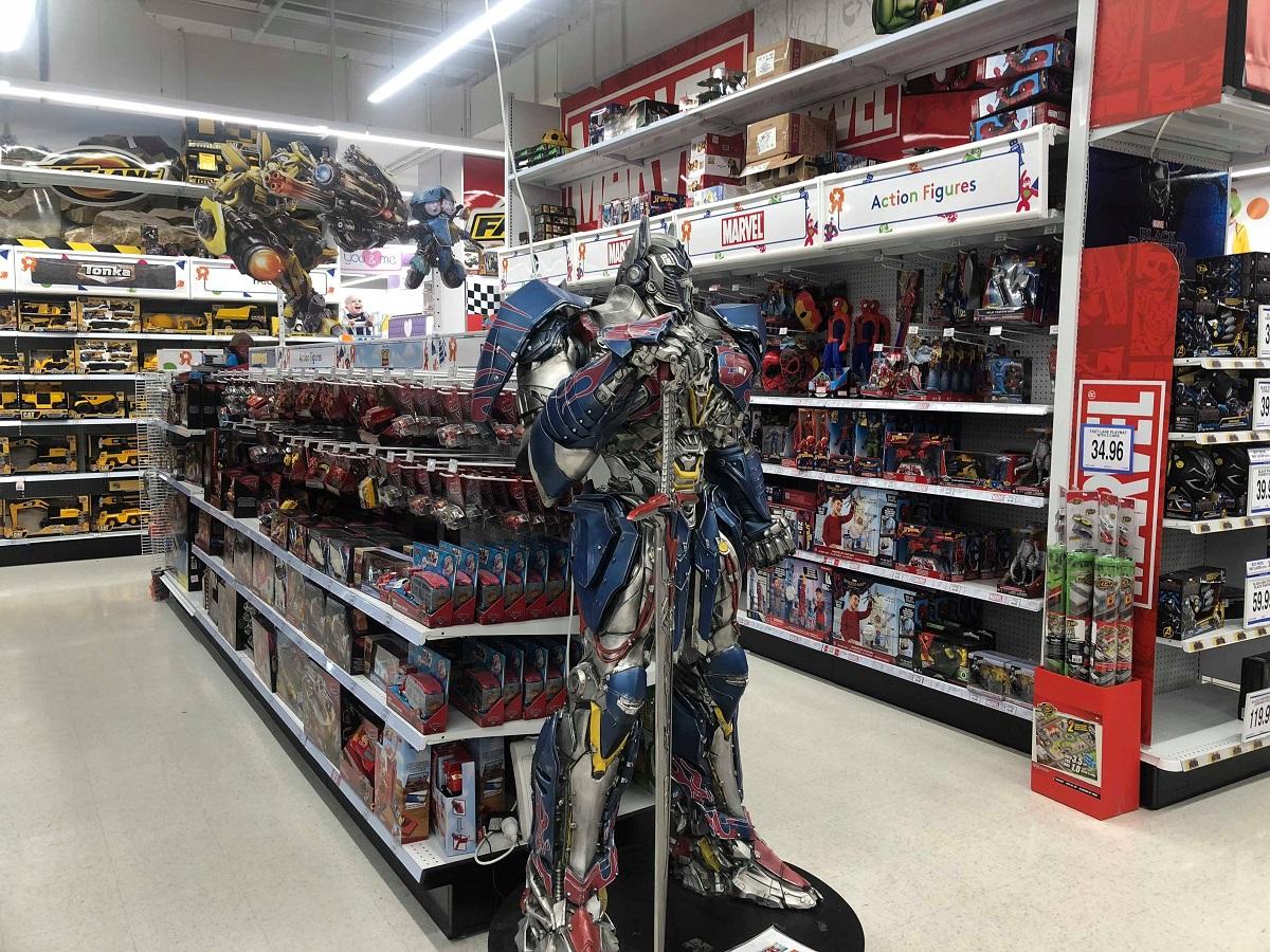 optimus prime statue at toys r us